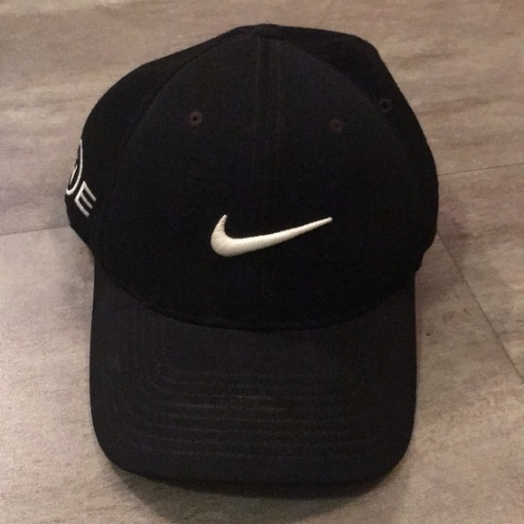 ... Tiger Woods Hat Black. M 5c33e48645c8b378c3eb5382 af35f6cde04